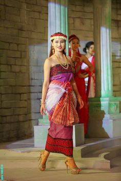 Tribal Outfit, Tribal Dress, Tribal Fashion, Asian Fashion, Northeast India, Indian Girls, Indian Art, India Culture, Wrap Around Skirt