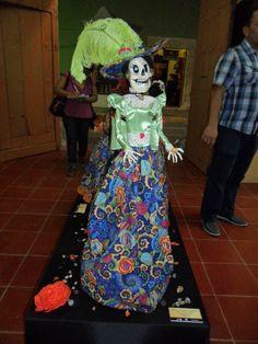 Catrina con Sombrero de Pluma, Autor: José Guerrero Osorio, Informes: maragabo@hotmail.com