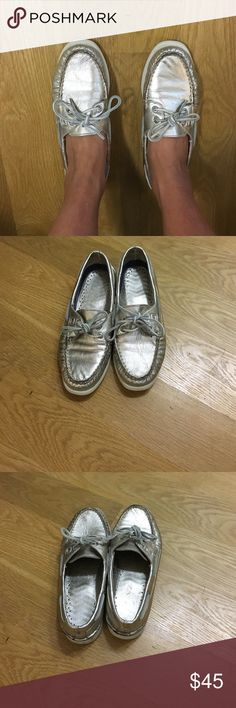 Gold Sperry boat shoes Gently worn gold sperry boat shoes Sperry Shoes Flats & Loafers