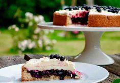 Suomi 100 mustikka-valkosuklaapiirakka Cheesecake, Sweet, Desserts, Food, Candy, Tailgate Desserts, Deserts, Cheesecakes, Essen