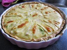 Quiche (hartige taart) met brie, gerookte zalm en prei Flan, Bio Food, Bon Ap, Table D Hote, Brunch, Oven Dishes, Happy Foods, Oven Recipes, Yummy Recipes