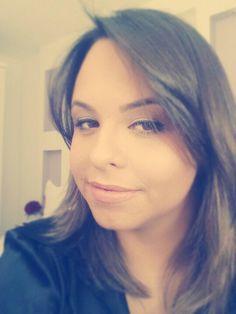 Bom dia!!!  #blogcharmecharmosa #blogger #blog #bomdia #quarta #instamood #instagram #instalovers #make #makeup #makeupideias #maquiagem #eumaquio #mua #eyeliner #dailymakeup #dailyroutine #maccampogrande   www.charmecharmosa.wordpress.com