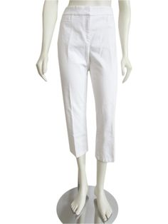Perfectly casual Lafayette 148 New York cropped white jeans, made out of a stretch cotton blend material! Pants feature a natural rise with zip fly and double hook closure, welt pockets at the hips, welt pockets in the back, and slim fit with a straight cut leg and a 24