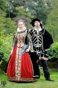 Late 16th Century renaissance costumes by Angela Mombers