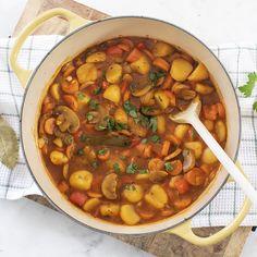 Vegetarische stoofschotel - Leuke recepten Veggie Recipes, Vegetarian Recipes, Dinner Recipes, Healthy Recipes, Chana Masala, Pot Roast, Good Food, Food And Drink, Veggies