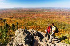 8 musts rando cet automne Dame Nature, Parc National, Small Towns, Canada, Mountains, Travel, Suspension Bridge, Pathways, Tourism