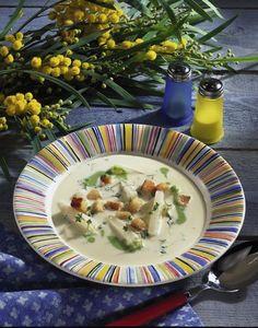 Unser beliebtes Rezept für Kohlrabi-Creme-Suppe und mehr als 55.000 weitere kostenlose Rezepte auf LECKER.de.
