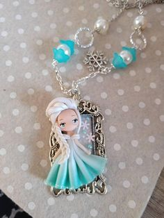 Ehi, ho trovato questa fantastica inserzione di Etsy su https://www.etsy.com/it/listing/569990213/princess-doll-necklace