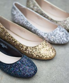 These gorgeous round-toe flats are super cute! Available in 4 colors, so you can match pretty much any outfit.