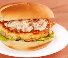 Salmon Burgers w/Sun-Dried Tomato-Chive Mayo Recipe Seared Salmon Recipes, Pan Seared Salmon, Fish Recipes, Seafood Recipes, Healthy Recipes, Gourmet Recipes, Dinner Recipes, Salmon Sandwich, Salmon Burgers