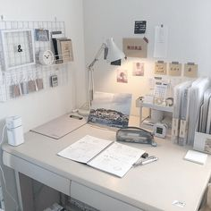 Room Design Bedroom, Room Ideas Bedroom, Bedroom Decor, Desk Inspiration, Desk Inspo, Study Room Decor, Study Rooms, Study Areas, Minimalist Room