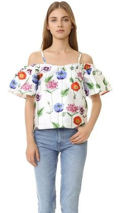 ¡Cómpralo ya!. Re:Named Floral Cold Shoulder Top - Multi. An illustrated floral print adds vibrant detail to this satin re:named top. Nonslip rubber binding at top hem. Short sleeves. Hidden back zip. Lined. Fabric: Satin. 100% polyester. Dry clean. Imported, China. Measurements Length: 22in / 56cm, from shoulder Measurements from size S. Available sizes: L,M,S , tophombrosdescubiertos, sinhombros, offshoulders, offtheshoulder, coldshoulder, off-the-shouldertop, schulterfreiestop…