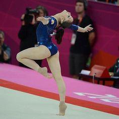 Gymnastics Floor, Tumbling Gymnastics, Gymnastics Pictures, Artistic Gymnastics, Olympic Gymnastics, Gymnastics Girls, Gymnastics Leotards, Olympic Badminton, Olympic Games Sports