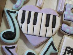 Piano Cookie {Heartshaped}