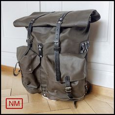 Vintage Swiss Army Backpack - Rucksack of the Swiss Military in the 1980s -  With Adjustable Size - Made of Leather and Plastified Canvas c6be1bfcfa307