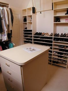 Closet Organization: Top 10 Organizing Mistakes ((good info about depth of shelves))