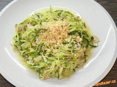 Cuketové špagety s čímkoliv - inspirace k rychlému jídlu Pumpkin Squash, Ham, Zucchini, Cabbage, Spaghetti, Food And Drink, Low Carb, Cooking Recipes, Gluten Free