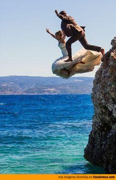 Y si la hacemos en la playa es muy probable que necesite un chapuzón! :) #PandoraNovia #PandoraRD