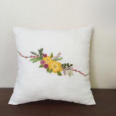 #미니쿠션 #앨리스다락방 #diy #부천자수 #만수동자수 #쿠션 #embroidery #handmade #cushion #프랑스다수 #야생화자수 #꽃자수 #만수동 Cushion Embroidery, Hand Embroidery Dress, Hand Embroidery Patterns, Ribbon Embroidery, Cross Stitch Embroidery, Machine Embroidery, Bed Sheet Painting Design, Fabric Painting, Couch Pillow Covers
