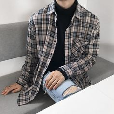 Oversized Flannel Outfits, Flannel Outfits Summer, Fall Outfits, Fashion Outfits, Korean Shirts, Korean Fashion Men, Korean Outfits, Pretty Outfits, Vintage Outfits