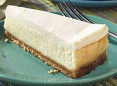 Try a creamy, graham cracker crumb-crusted Cheesecake with Sour Cream Topping. This Cheesecake with Sour Cream Topping is citrus-kissed with lemon juice. Sour Cream Cheesecake Topping, Basic Cheesecake, Cheesecake Toppings, Easy Cheesecake Recipes, No Bake Cheesecake, Dessert Recipes, Homemade Cheesecake, Simple Cheesecake Recipe With Sour Cream, Real Cheesecake Recipe