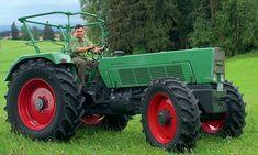 Volker Höltkemeyer hat den 11 S zum 12 S umgebaut. Motor, Kupplung und Hydraulik mussten verstärkt werden Antique Tractors, Old Tractors, Fendt Farmer, Lanz Bulldog, Car Brands, Big Trucks, Vehicles, Bulldogs, Farmers