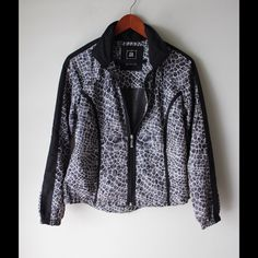 "Activology sports jacket Printed sports jacket - zipper closure - pockets (no zipper) - elastic sleeve cuffs - drawstring at hem - polyester - chest across measures 18"" - total length measures 24"" - size PS Activology Jackets & Coats"