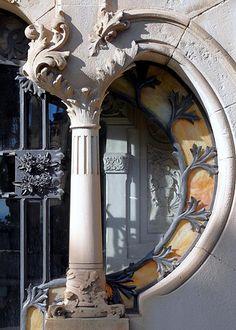 Barcelona - Cementiri de Montjuïc 002 e by Arnim Schulz, via Vikki Delle Donne Architecture Design Concept, Art Nouveau Architecture, Beautiful Architecture, Beautiful Buildings, Art And Architecture, Architecture Details, Gaudi, Art Nouveau Design, Deco Design