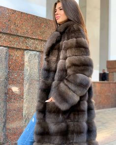 Sable Fur Coat, Fox Fur Coat, Fur Coats, Sexy Women, Women Wear, Sheepskin Coat, Fur Fashion, Hot Girls, Beautiful Women