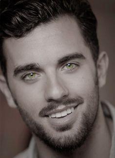 Jose Pablo Minor - hair, eyebrows and facial hair. Beautiful Men Faces, Gorgeous Men, Hot Guys, Guys Eyebrows, Mexican Models, Hairy Men, Bearded Men, Male Face, Beard Styles