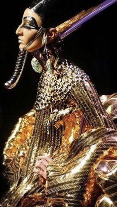 Old Egypt, Ancient Egypt, Fashion History, Fashion Art, Fashion Design, Dress Fashion, Christian Dior Dress, Egyptian Fashion, International Clothing
