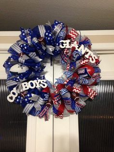 House divided wreath. Giants and cowboys. Created by Ronda Cromeens. 55$