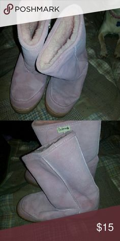 Cute Bear claw pink boots Cute pink boots. Only worn a couple of times. In great shape. bear claw Shoes