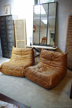 ♥Love these! Look as comfy as an old pair of boots.Togo de michel ducaroy par Ligne Roset,