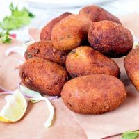 Hot and Crisp Chicken cutlets straight from Kolkata's street. Chicken Cutlets, Baked Potato, Crisp, Potatoes, Vegetables, Hot, Ethnic Recipes, Street, Fitness