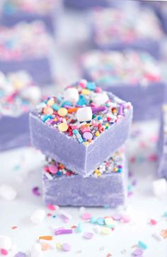 This easy homemade white chocolate Unicorn Fudge is creamy and chocolatey sweet and soft with colorful sprinkles. It's a delicious no-bake dessert recipe for birthdays holidays or just everyday. Homemade Desserts, Köstliche Desserts, Dessert Recipes, Rainbow Desserts, Rainbow Treats, Colorful Desserts, Homemade Fudge, Brunch Recipes, Plated Desserts
