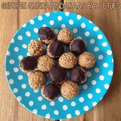 Gepofte quinoa pindakaas balletjes http://wateetjedanwel.nl/gepofte-quinoa-pindakaas-balletjes/