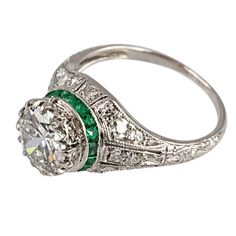 Edwardian Platinum, Diamond and Emerald Ring circa 1910 The ring centers 1 Antique Engagement Rings, Antique Rings, Antique Jewelry, Vintage Jewelry, Engagement Ideas, Vintage Rings, Art Deco Jewelry, Fine Jewelry, Jewelry Design