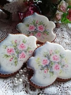 Dreamy hand painted roses for Valentine's Day, Mother's Day, or June & summer weddings. Beautiful cookies by Teri Pringle Wood.