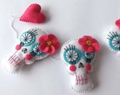 Day of the Dead Skull Template Felt | 10. Felt Ball Garland ($15): Dress up your entryway with this cute ...