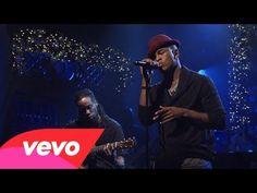 Ne-Yo - She Is (Live on SNL) - YouTube