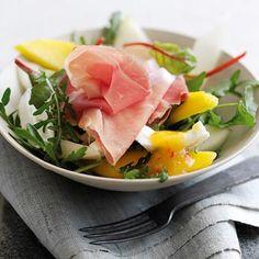 Büffelmozzarella-Parmaschinken-Melonen-Salat
