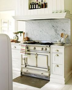 Drool! Paper whites? Loving this soft white kitchen w a gorgeous ivory LaCornue Chateau90 range. Call the Bella Cucina Design showroom for your custom range from Paris. 985 807 2120... 16 week fabrication in. France. Shipped insured nationwide to your kitchen. #bellacucinakitchens #napahomeandgarden #dallasinteriors #houstoninteriordesign #californialiving #westvillagelife #californiahomes #designblog #designerkitchen #dreamhome #dreamkitchens#rachelray #mariobatali…