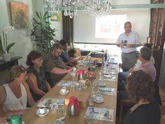 Foto van het werkbezoek van de raadswerkgroep Ouderen aan het Thuishuis in Woerden