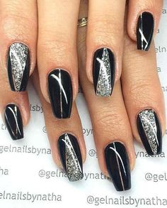 Simple Black Coffin Nail Designs For Winter Simple Black Coffin Nail Designs For Winter Holidays - TopBestLife Honeycomb Nail Art View We loved this nail art model, that will be similar to h. Silver Nail Designs, Acrylic Nail Designs, Nail Art Designs, New Years Nail Designs, Blog Designs, Black Nails With Glitter, Black Acrylic Nails, Black Silver Nails, Silver Blonde