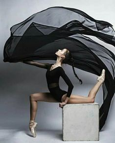 Vaganova Ballet Academy student Maria Khoreva photographed by Irina Yakovleva. Ballet Poses, Ballet Dancers, Dance Photos, Dance Pictures, Vaganova Ballet Academy, Ballet Performances, Ballet Pictures, Ballet Photography, Tiny Dancer