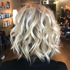 80 Bob Hairstyles To Give You All The Short Hair Inspiration - Hairstyles Trends Medium Hair Styles, Curly Hair Styles, Bobs For Thin Hair, Great Hair, Hair Today, Hair Dos, Gorgeous Hair, Bob Hairstyles, Trendy Hairstyles