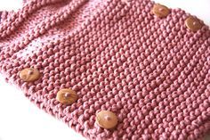 pelele de punto Ravelry, Film Strip, Photo L, Baby Knitting, Yarns, Tejidos, Garter Stitch, Neutral Tones, Little Girl Clothing