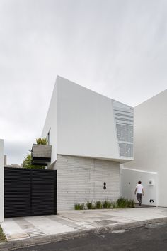 Ten House / Taller ADC