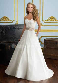 Classic Princess Sweetheart Satin Wedding Dresses With Ribbon